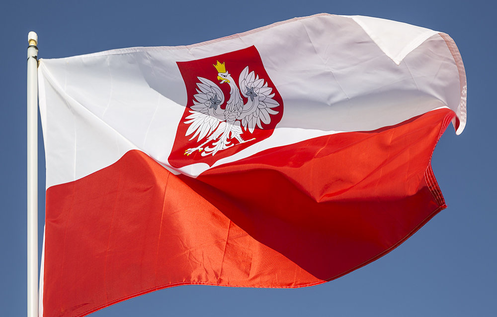 poland  new minimum salary threshold set for eu blue card